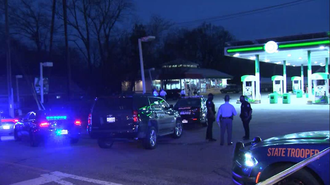 Man with knife shot by off-duty GSP trooper in Grant Park, police say