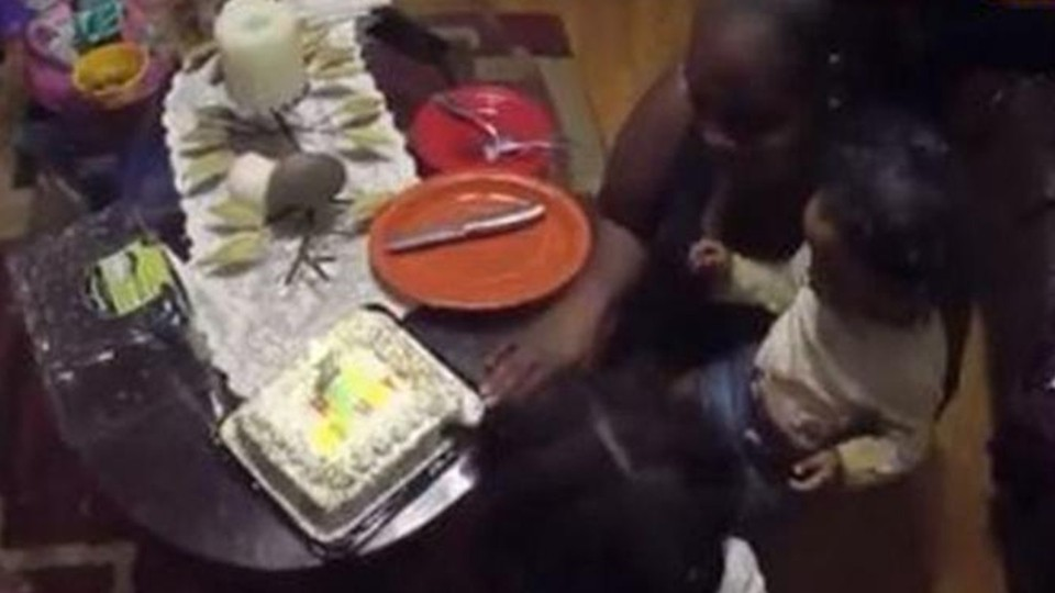 Groovy Georgia Cops Buy Cake Help Mother Celebrate Daughters 1St Birthday Personalised Birthday Cards Petedlily Jamesorg