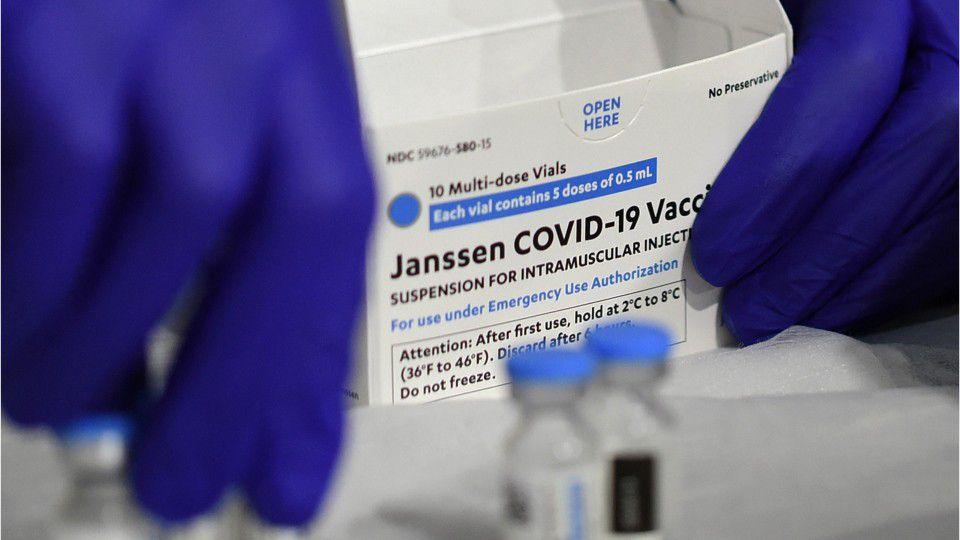 Coronavirus: US health agencies call for pause in use of Johnson & Johnson vaccine