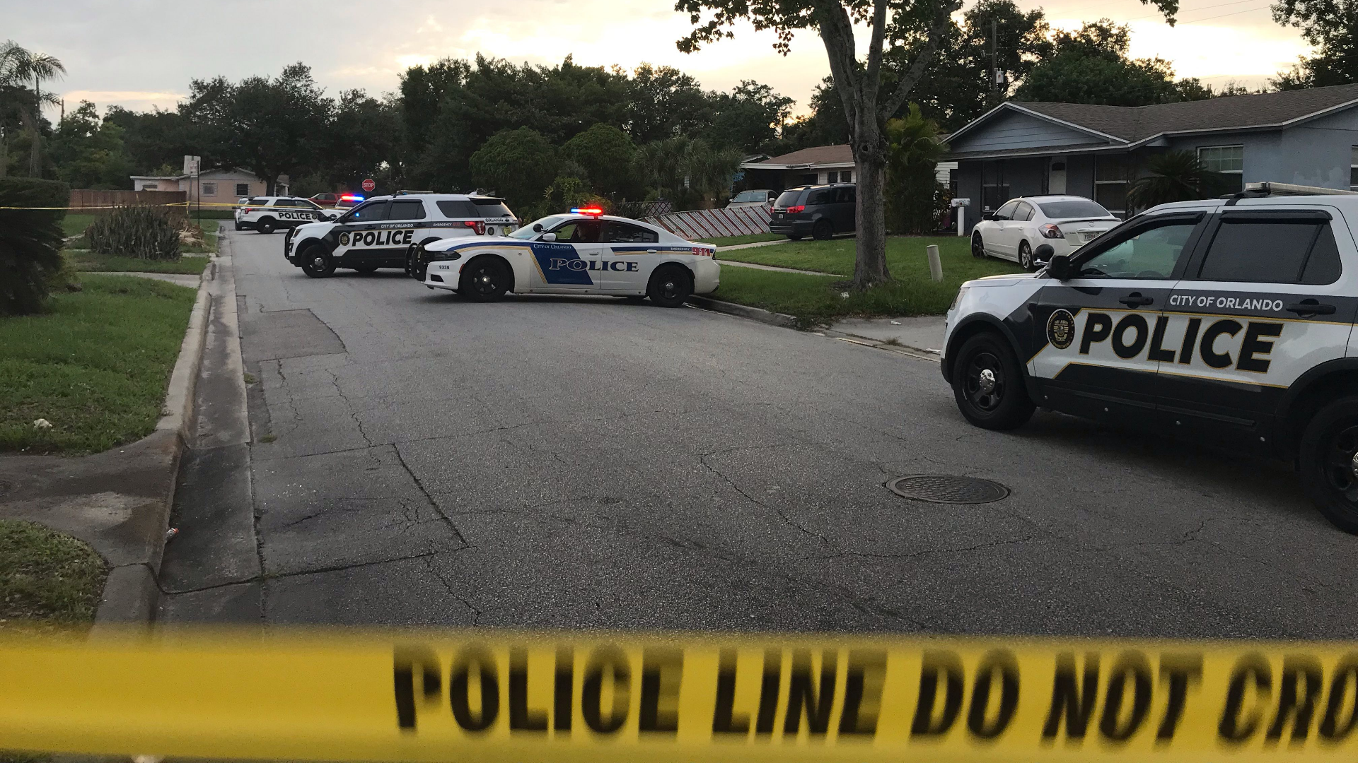 Person shot in neighborhood west of downtown Orlando, police say