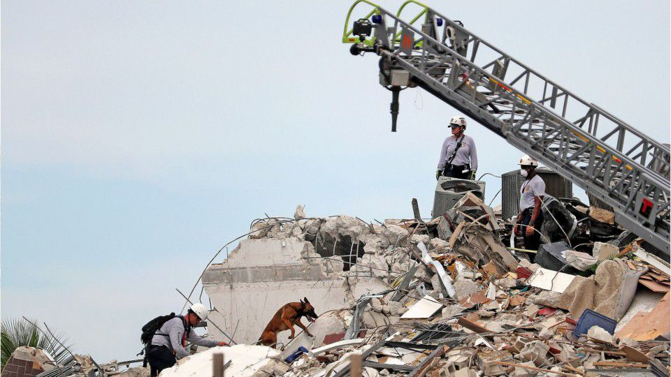 Surfside condo collapse live updates: 4 dead, 99 feared missing as search continues