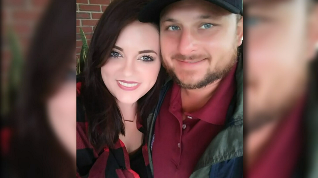 'They're all gone': Florida woman loses fiancé, mother and grandma in 5 days to COVID-19