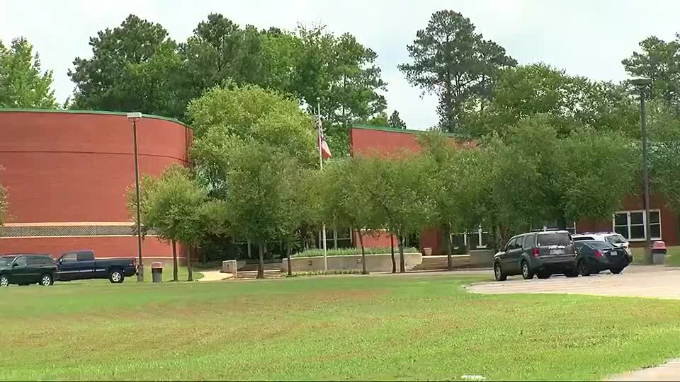 Miss. school district reports more COVID-19 cases