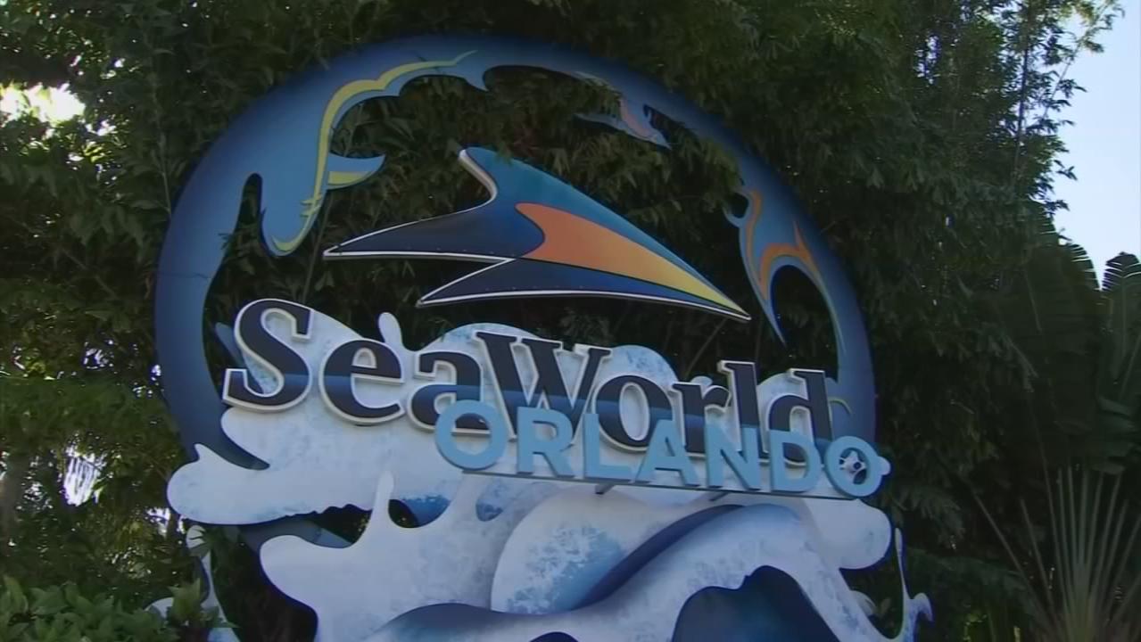 SeaWorld Orlando furloughed employee concerned after seeing similar job opening online