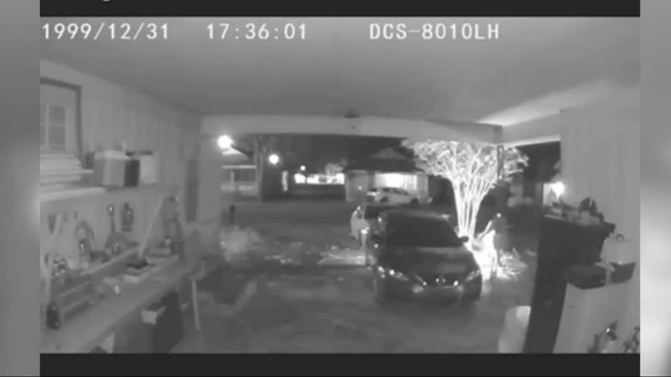 Video shows Mid-South womans car set on fire...